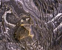 http://www.marsdaily.com/images/mars-plateau-near-juventae-chasma-bg.jpg